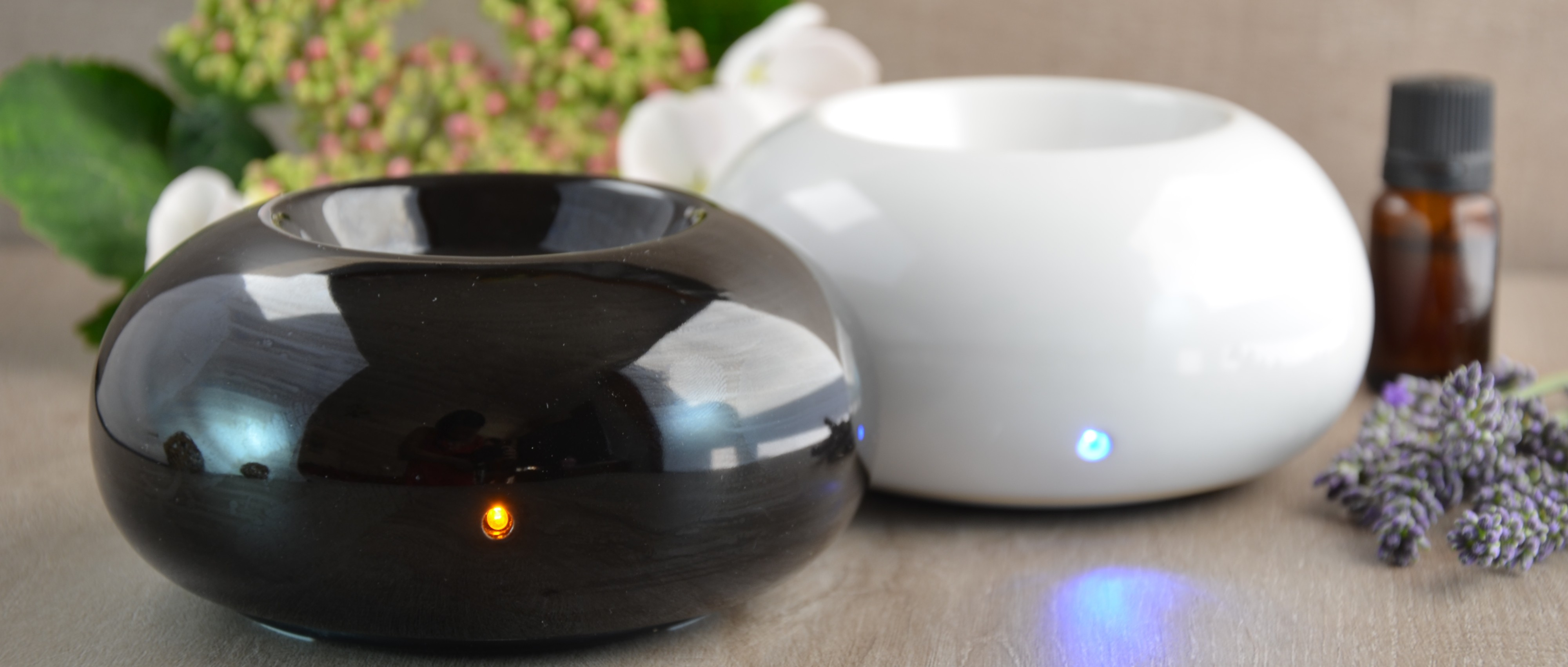 Aroma diffuser by gentle heat